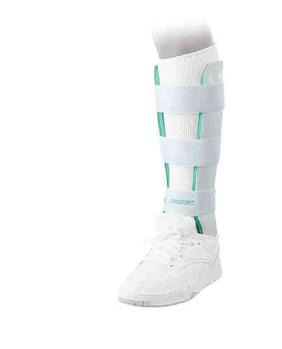 DJO Global LEG BRACE - Left - Height 33cm - Small with Anterior Panel